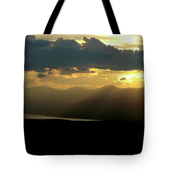 Tote Bag featuring the photograph Great Divide Light by Jeremy Rhoades