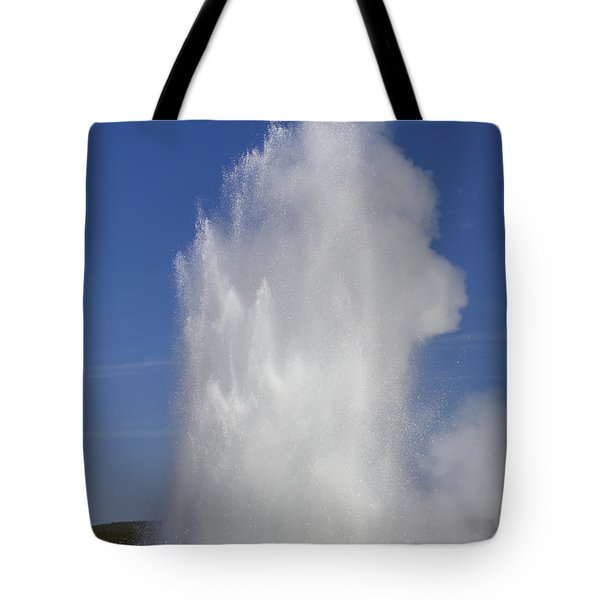 Great Fountain Burst Tote Bag