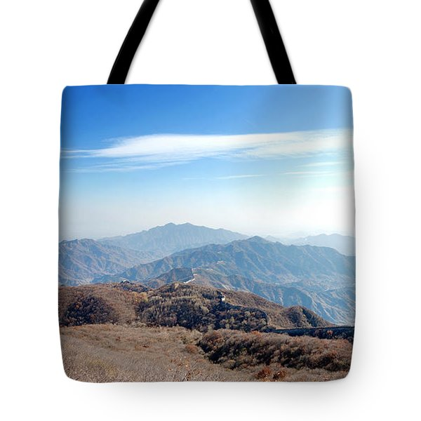 Tote Bag featuring the photograph Great Wall Of China - Mutianyu by Yew Kwang