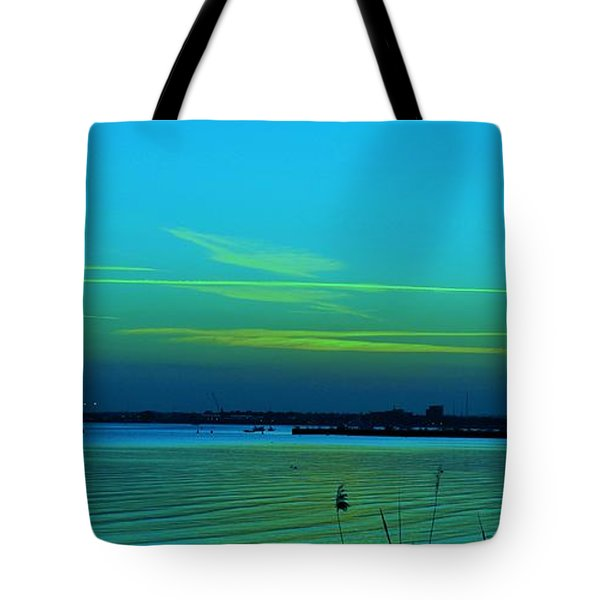 Northern Lights... Tote Bag