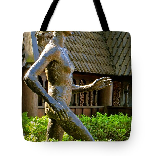 Tote Bag featuring the photograph Grete Waitz Sculpture by Joy Hardee