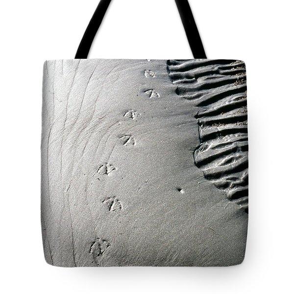 Gull Prints Tote Bag