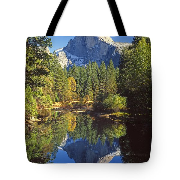 2m6709-half Dome Reflect - V Tote Bag