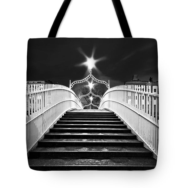 Ha'penny Bridge Steps - Dublin - Black And White Tote Bag
