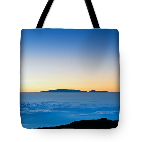 Tote Bag featuring the photograph Hawaii Sunset by Jim Thompson