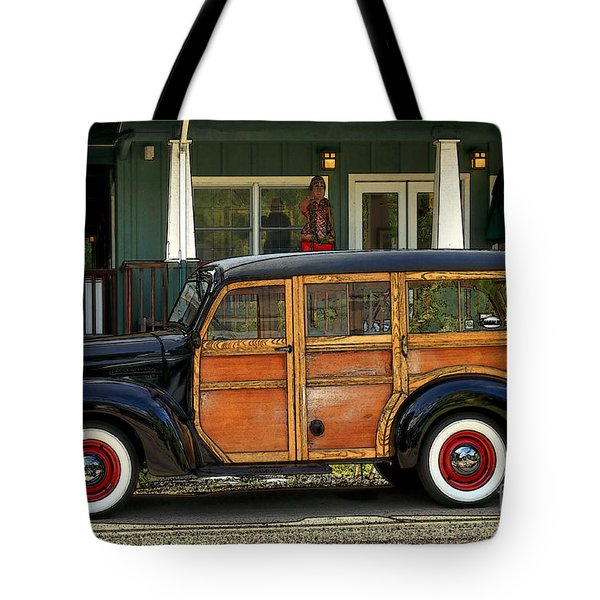 Hawaiian Woody Tote Bag