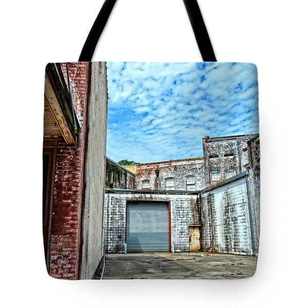 Hdr Alley Tote Bag