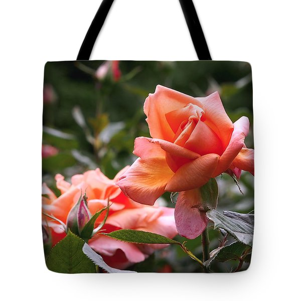 Heart Of Gold Roses Tote Bag