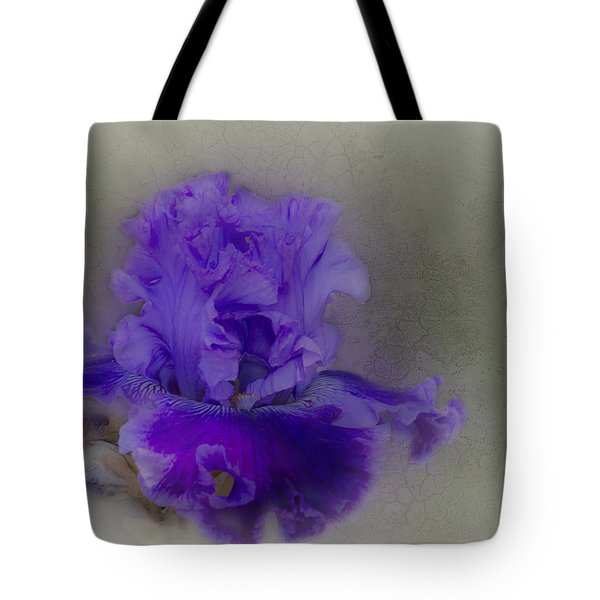 Tote Bag featuring the photograph Heidi by Elaine Teague