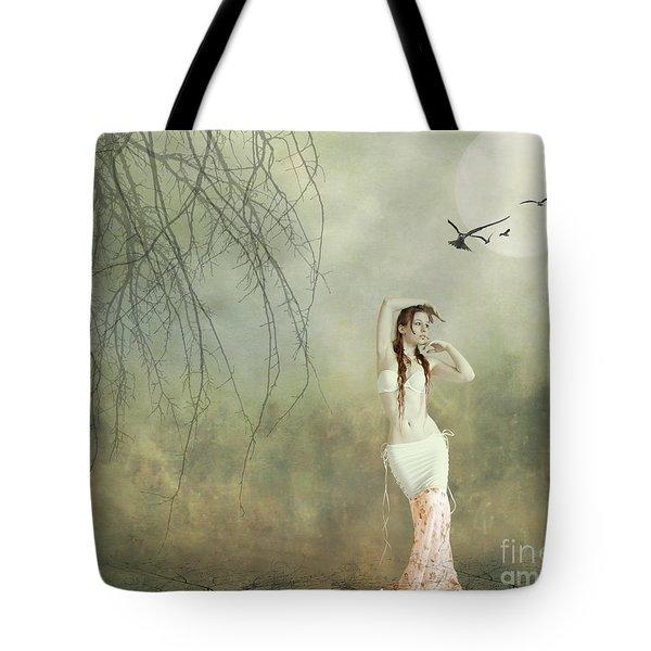 Her Cool Demeanor Tote Bag by Linda Lees