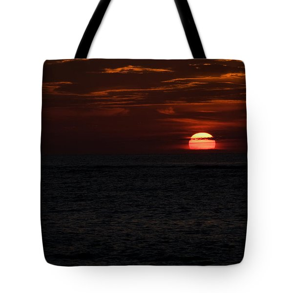 Tote Bag featuring the photograph Here Comes The Sun by Greg Graham