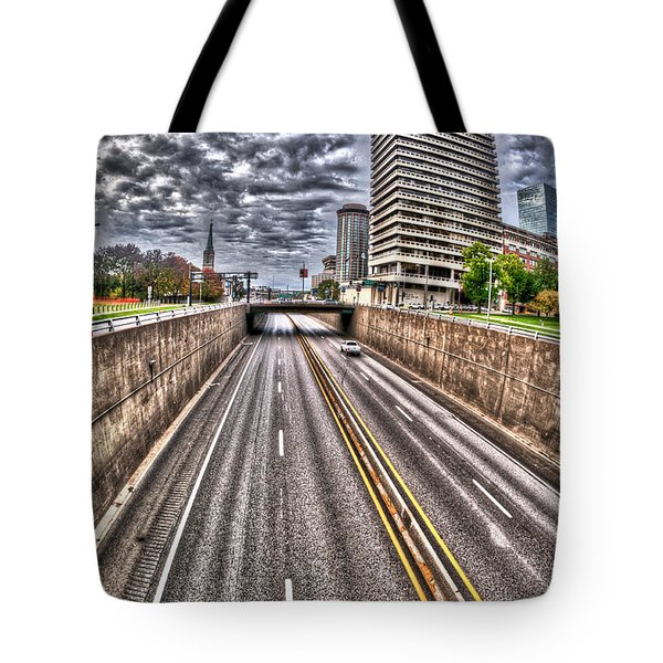 Tote Bag featuring the photograph Highway Into St. Louis by Deborah Klubertanz
