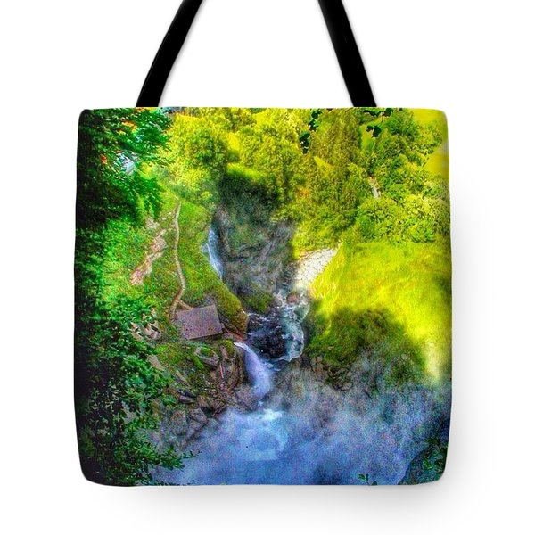 Hiking Switzerland - The Famous Tote Bag