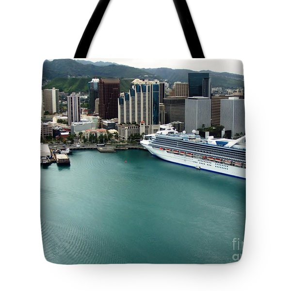 Honolulu Port Tote Bag