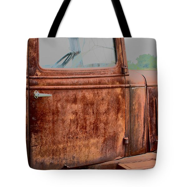 Tote Bag featuring the photograph Hop In by Lynn Sprowl