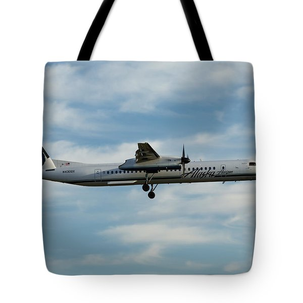 Horizon Airlines Q-400 Approach Tote Bag