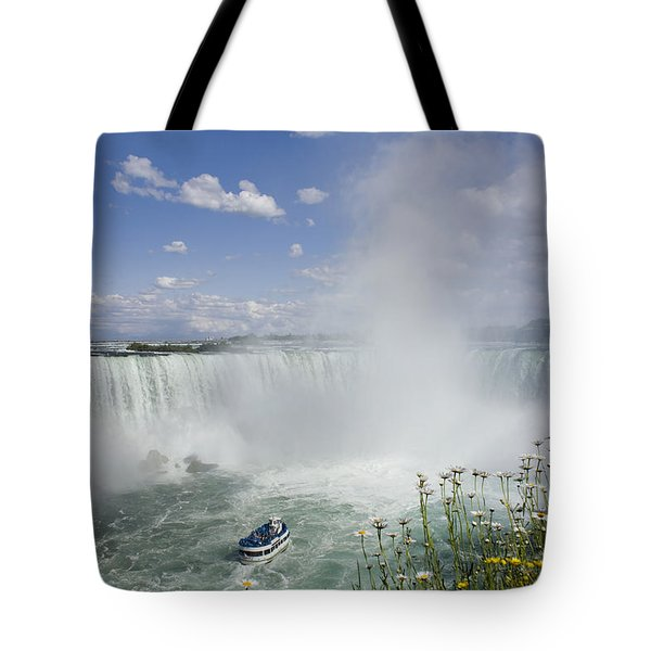 Horseshoe Falls With Maid Of The Mist Tote Bag by Peter Mintz