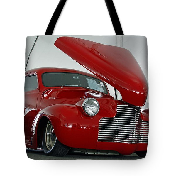 Tote Bag featuring the photograph Hot In Red by Shoal Hollingsworth