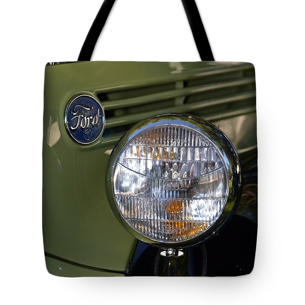 Tote Bag featuring the photograph Hr-19 by Dean Ferreira