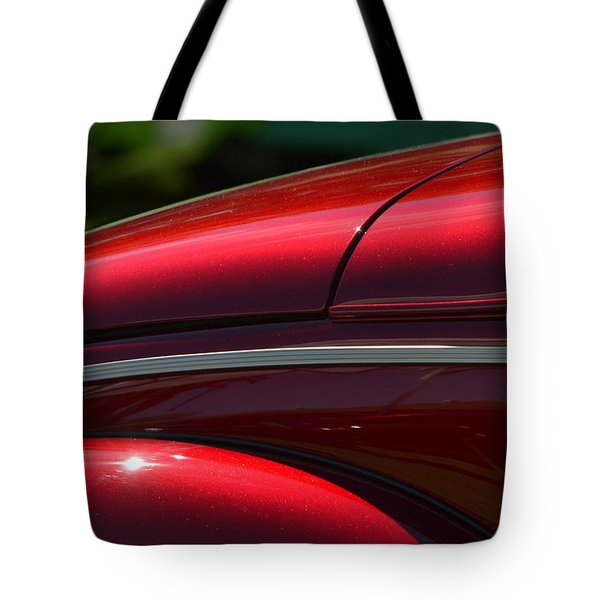 Tote Bag featuring the photograph Hr-31 by Dean Ferreira