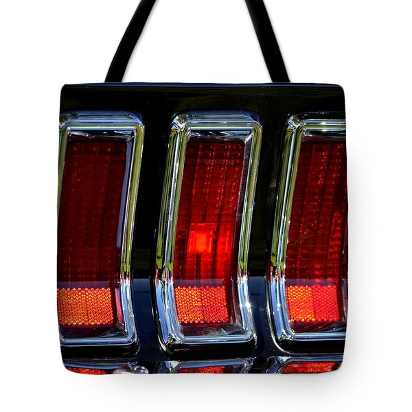 Tote Bag featuring the photograph Hr-6 by Dean Ferreira