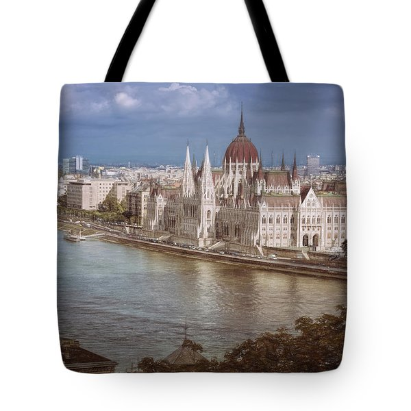 Hungarian Parliament Building Tote Bag