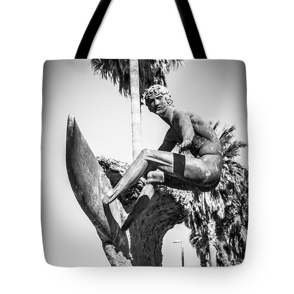 Huntington Beach Surfer Statue Black And White Picture Tote Bag by Paul Velgos