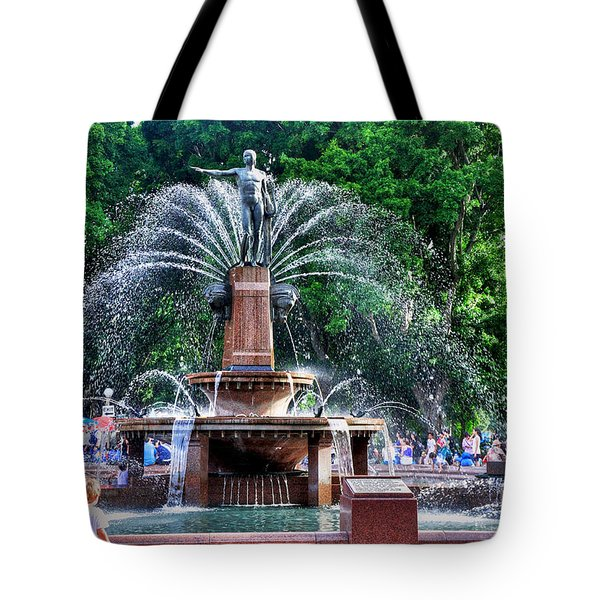Hyde Park Fountain Tote Bag by Kaye Menner