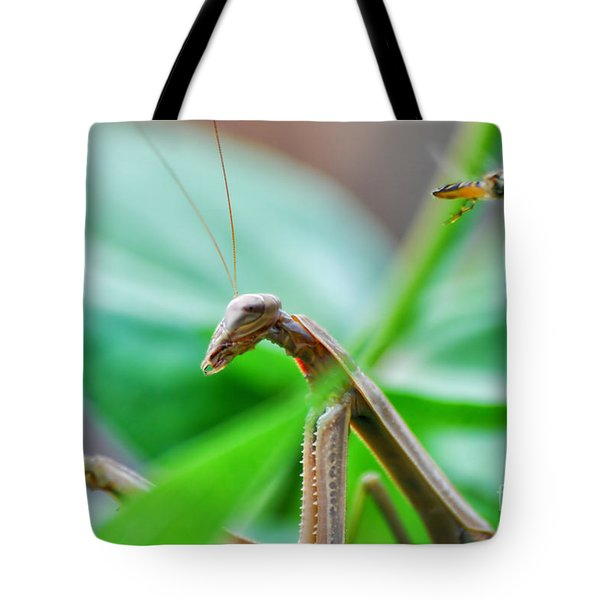 Tote Bag featuring the photograph I See You by Thomas Woolworth