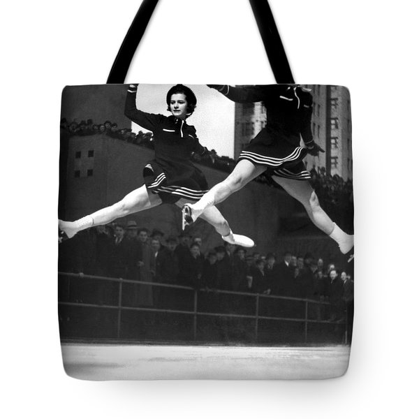 Ice Skaters Perform In Ny Tote Bag
