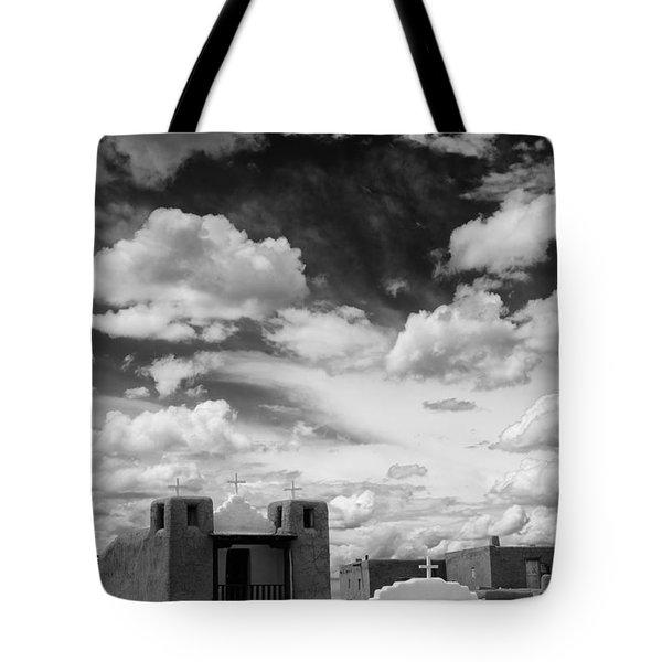 Iglesita De Pueblo De Taos - New Mexico Tote Bag