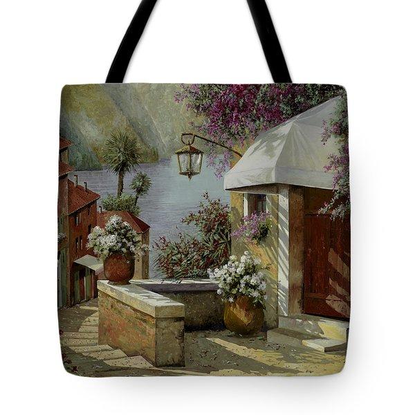 Il Lampione Oltre La Tenda Tote Bag