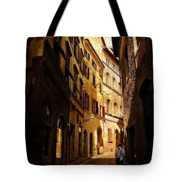Il Turista Tote Bag by Micki Findlay