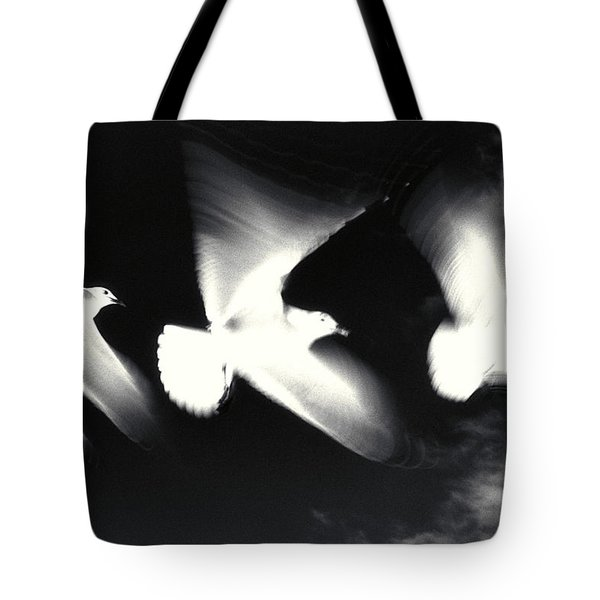 Infrared Gulls Tote Bag by Jerry McElroy