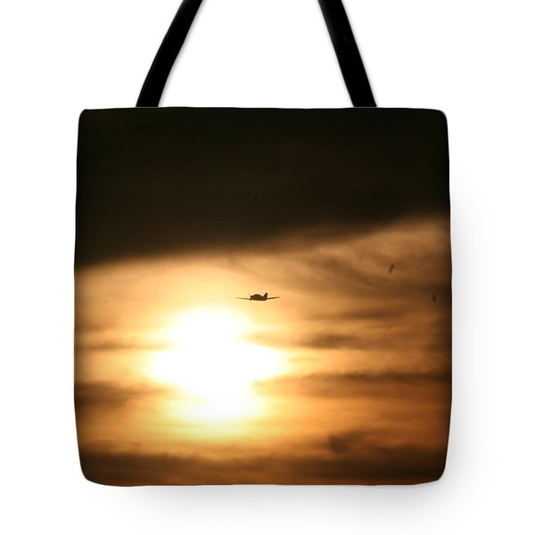 Tote Bag featuring the photograph Into The Sun by David S Reynolds