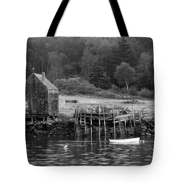 Island Shoreline In Black And White Tote Bag