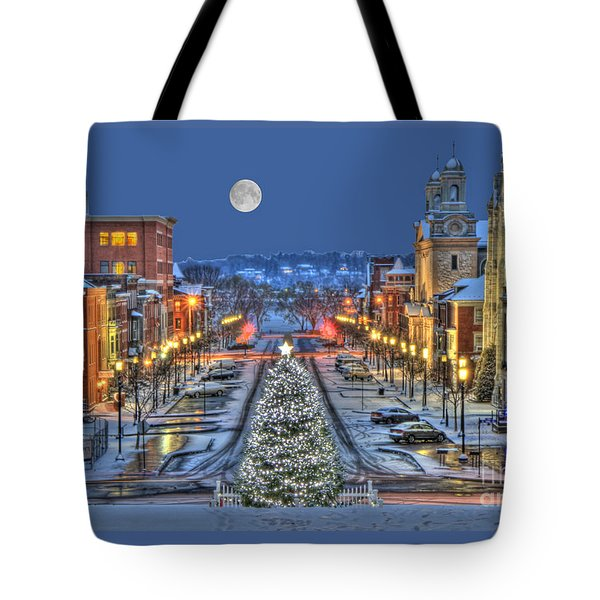 It's Christmas Time In The City Tote Bag