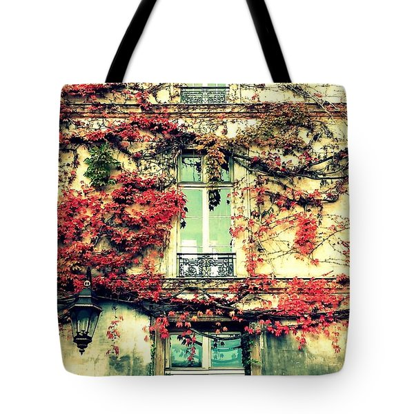 Ivy Growing On A Wall   Tote Bag by Richard Rosenshein