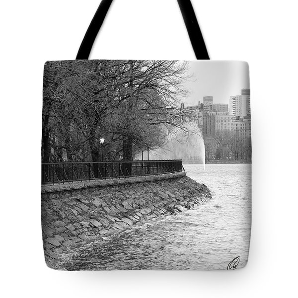 Jacqueline Kennedy Onassis Reservoir Ny Tote Bag