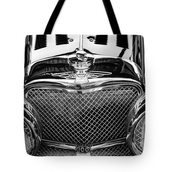Jaguar Ss 100 Grille Emblem -0544bw Tote Bag