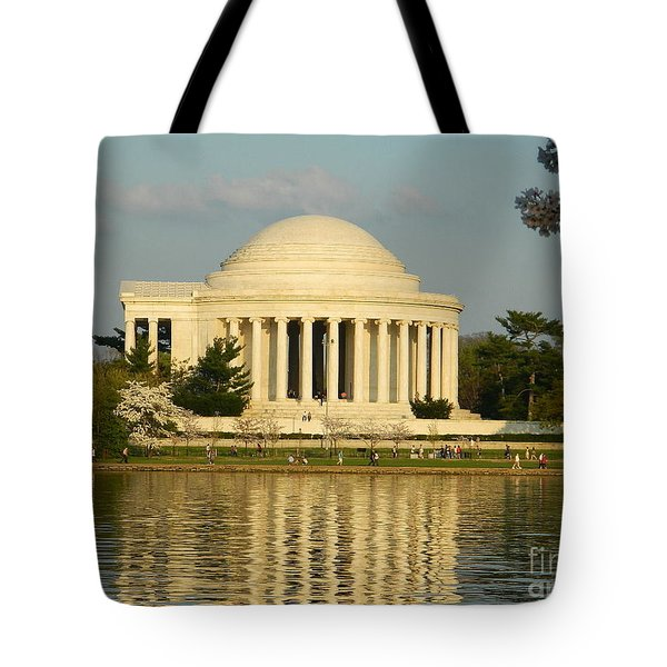 Jefferson Memorial At Sunset Tote Bag by Emmy Vickers