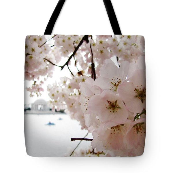 Tote Bag featuring the photograph Jefferson Memorial by Jennifer Wheatley Wolf