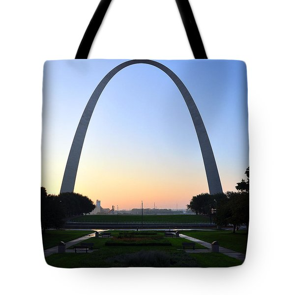 Jefferson National Expansion Memorial Tote Bag
