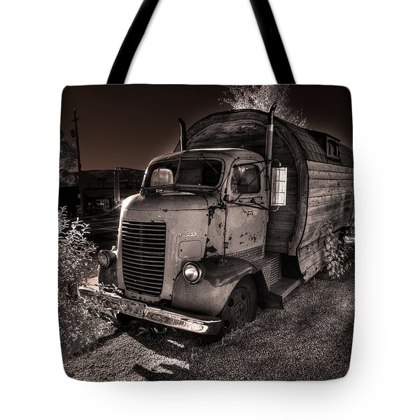Tote Bag featuring the photograph Just Another Roadside Attraction by William Fields