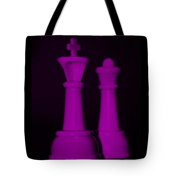 King And Queen In Pink Tote Bag by Rob Hans