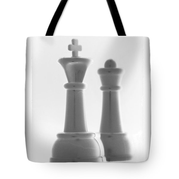 King And Queen In Pure White Tote Bag by Rob Hans