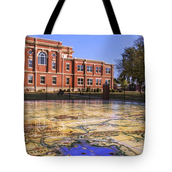 Kiowa County Courthouse With Mural - Hobart - Oklahoma Tote Bag