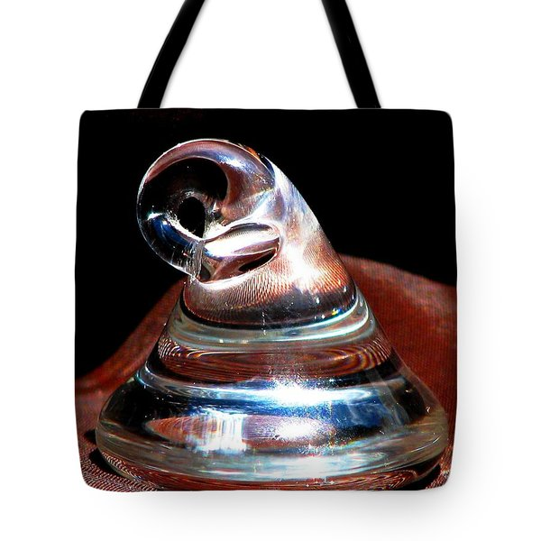 Kiss In The Dark Tote Bag by Angela Davies