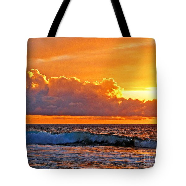 Tote Bag featuring the photograph Kona Golden Sunset by David Lawson