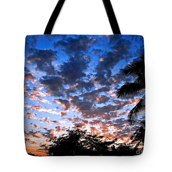 Tote Bag featuring the photograph Kona Sunset by David Lawson
